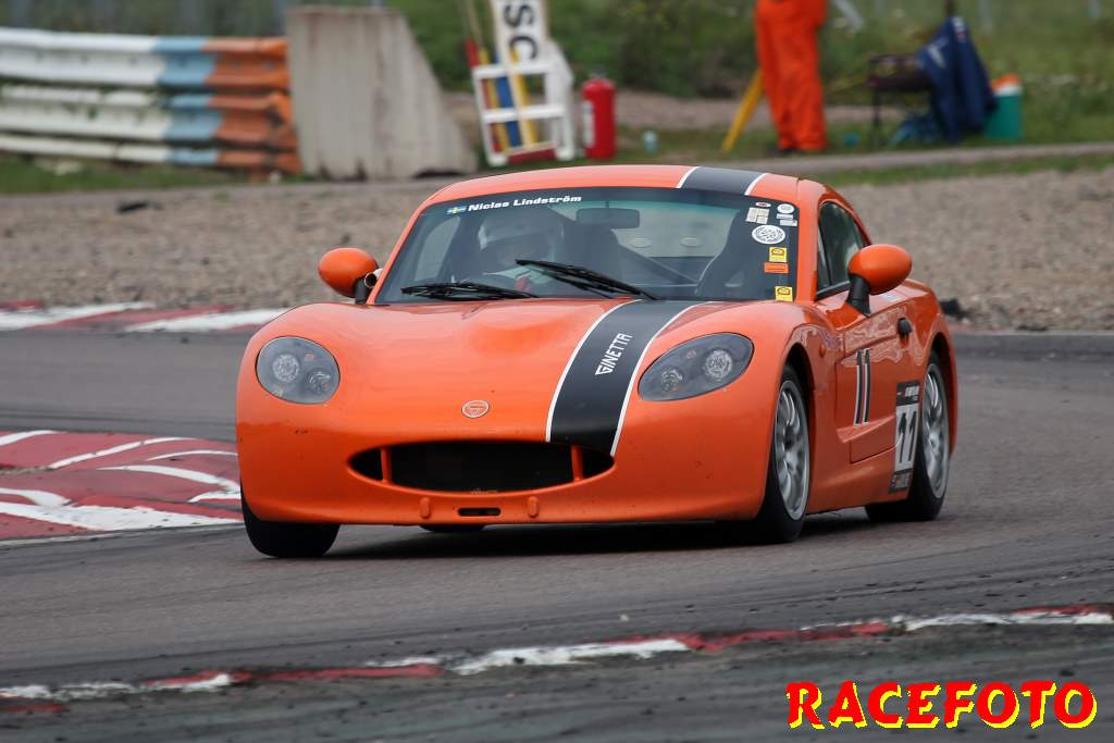 SSK-final på Mantorp Park med Radical & Ginetta.